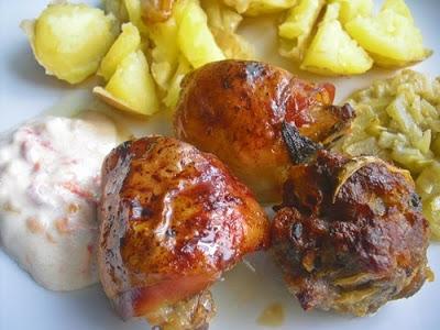 Pečené masové kuličky, horní kuřecí stehýnka a fenykl dušený na másle