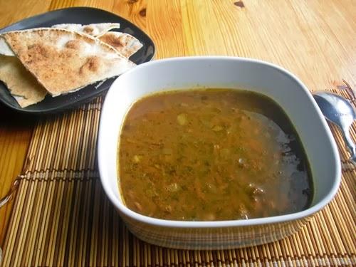 Hřejivá obilno-luštěninová polévka