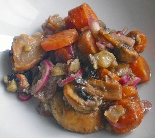 Salát z pečené zeleniny a hub