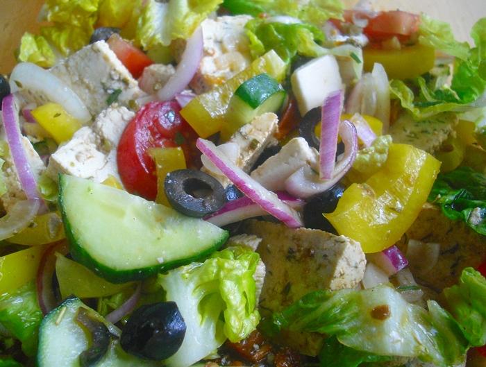 Letní salát pro tropické dny