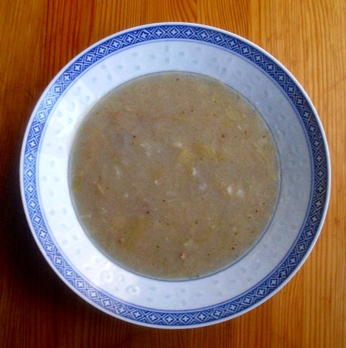 Polévka z hlávkového zelí