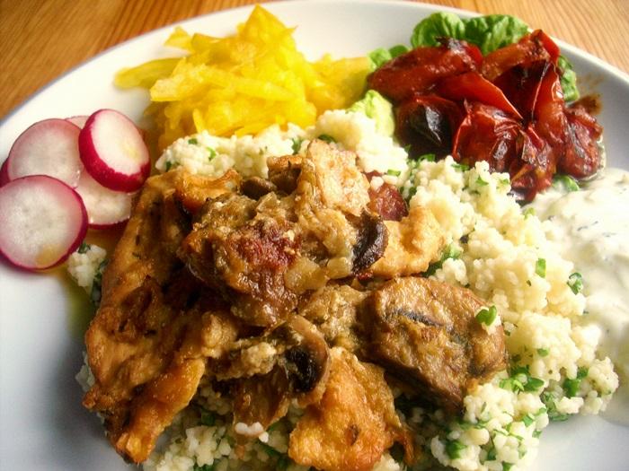 Kuře na houbách aneb pestrý talíř