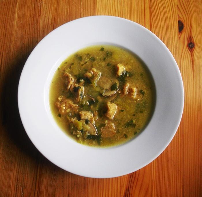 Cuketová polévka se sojovým masem
